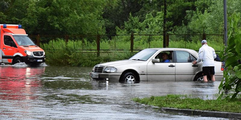 Enchentes, como dirigir enquanto tem